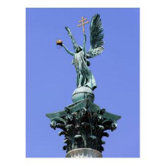 Estátua de Gabriel do arcanjo em Budapest Cartão Postal