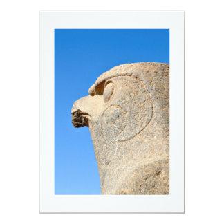 Estátua do deus Horus do falcão no templo de Edfu, Convite 12.7 X 17.78cm