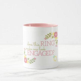 Este anel faz-me olhar contratado? CANECA