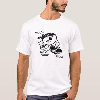 Este DJ balança T-shirts
