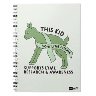 Este miúdo luta o caderno da doença de Lyme
