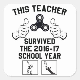 Este professor sobreviveu ao ano escolar adesivo quadrado
