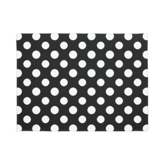 Esteira de porta preto e branco do teste padrão de tapete
