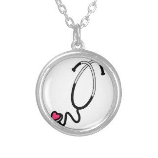 Estetoscópio do coração colar com pendente redondo