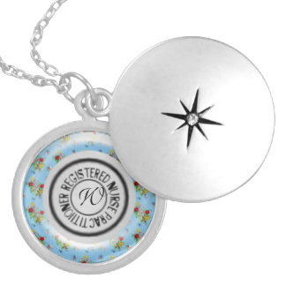 Estetoscópio do médico da enfermeira diplomada de  colar medalhão