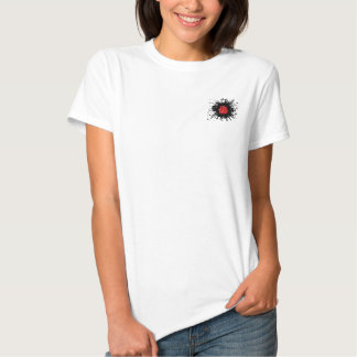 Estilo urbano de encaixotamento tshirt