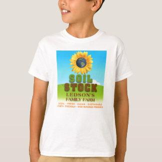 Estoque do solo - a camisa do miúdo da fazenda da