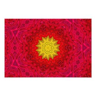 Estrela amarela na mandala vermelha impressão de foto