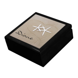 Estrela do mar na caixa de presente do coração