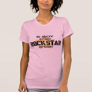 Estrela do rock do B-Menino em a noite Camisetas
