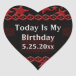 Estrela do rock do bolo de aniversário no vermelho adesivo coração
