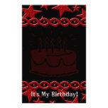 Estrela do rock do bolo de aniversário no vermelho papelaria