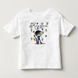 Estrela do rock do menino do cabelo preto camiseta infantil