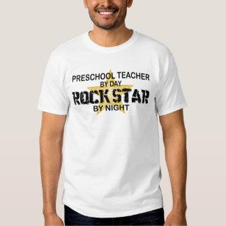 Estrela do rock pré-escolar em a noite t-shirts