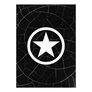 Estrela preto e branco do exército convite personalizado