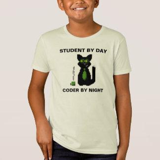Estudante em o dia - codificador pela camisa do