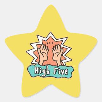 Etiqueta alta de cinco estrelas com fundo amarelo