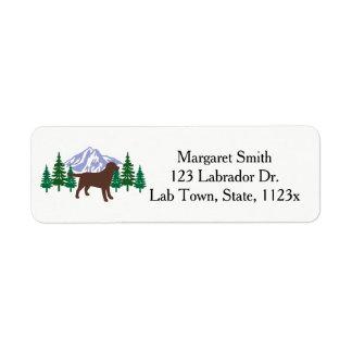 Etiqueta Árvores do Evergreen do esboço de Labrador do