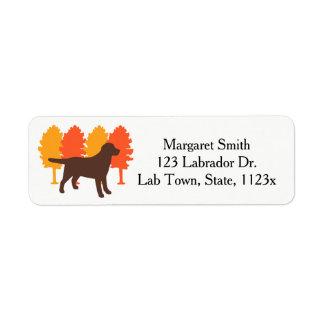 Etiqueta Árvores do outono do esboço de Labrador do