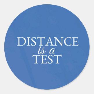 Etiqueta azul redonda inspirada clássica do viagem