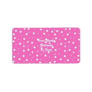 Etiqueta Bolinhas no fundo cor-de-rosa