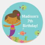 Etiqueta bonito do aniversário da sereia da piscin adesivos