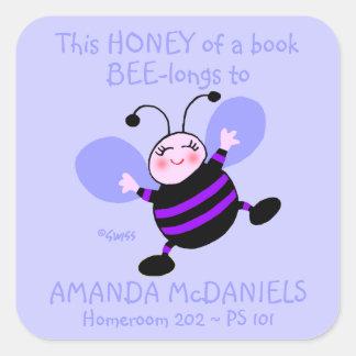 Etiqueta bonito do nome do Schoolbook da abelha Adesivo Quadrado