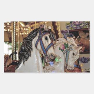 Etiqueta bonito dos cavalos do carrossel adesivos em formato retangulares