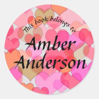 Etiqueta colorida dos corações para livros