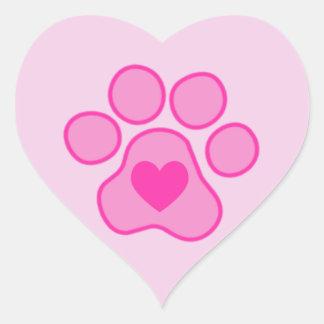Etiqueta cor-de-rosa do coração das patas do filho adesivo de coração