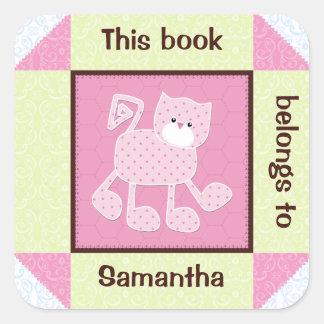 Etiqueta cor-de-rosa do livro da edredão do falso