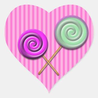 etiqueta cor-de-rosa do pirulito da listra adesivo em forma de coração