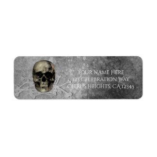 Etiqueta Crânio & uma pilha do partido gótico do Dia das