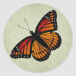 Etiqueta da borboleta de monarca adesivo em formato redondo