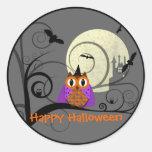 Etiqueta da coruja do Dia das Bruxas Adesivo Redondo