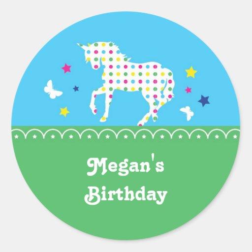 Etiqueta da festa de aniversário do unicórnio adesivo em formato redondo