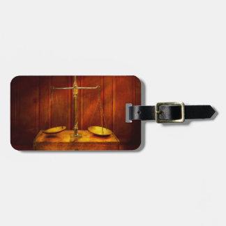 Etiqueta De Bagagem Advogado - escala desequilibrada de justiça