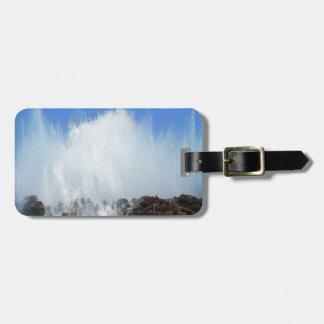Etiqueta De Bagagem Água que bate rochas em Ilhas Canárias