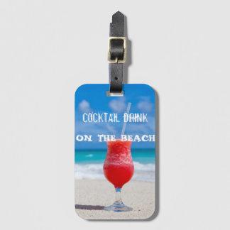 Etiqueta De Bagagem Bebida do cocktail na praia