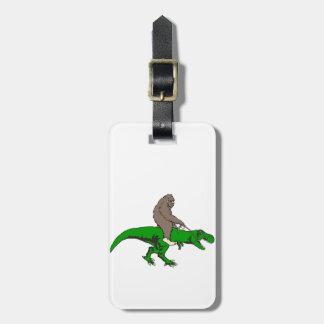 Etiqueta De Bagagem Bigfoot que monta T Rex