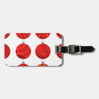 Etiqueta De Bagagem Bolas vermelhas do Natal no roupa e nos presentes