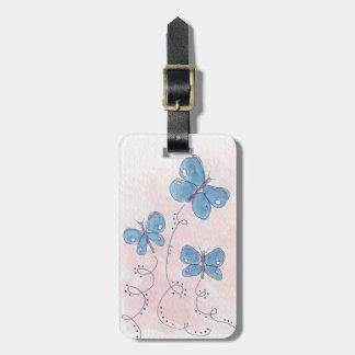 Etiqueta De Bagagem Bonito na borboleta azul cor-de-rosa