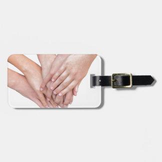 Etiqueta De Bagagem Braços das mãos das meninas em se