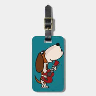 Etiqueta De Bagagem Cão engraçado de Basset Hound que joga a guitarra