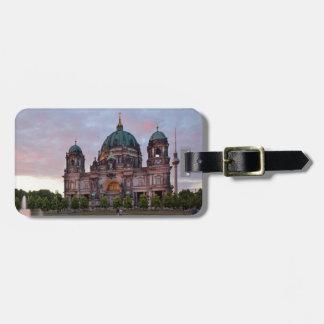 Etiqueta De Bagagem Catedral de Berlim com torre e Lustgar da