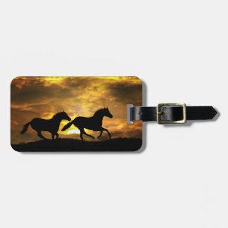 Etiqueta De Bagagem Cavalos Running em Tag da bagagem do por do sol