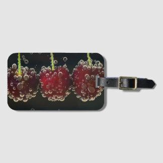 Etiqueta De Bagagem Cerejas vermelhas na água