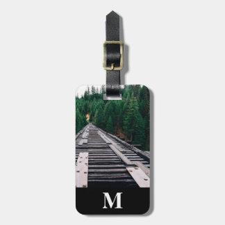 Etiqueta De Bagagem Close up das trilhas de estrada de ferro do viagem