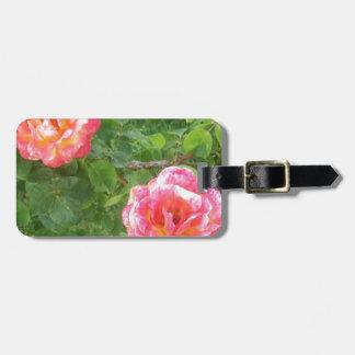 Etiqueta De Bagagem Dois cor-de-rosa & rosas manchados amarelos no