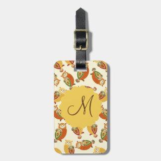 Etiqueta De Bagagem Encantando, corujas bonitos em cores do outono